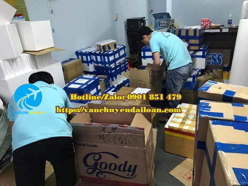 đóng gói gửi hàng hóa đi Đài Loan