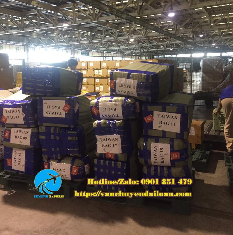 vận chuyển hàng hóa đi Đài Loan