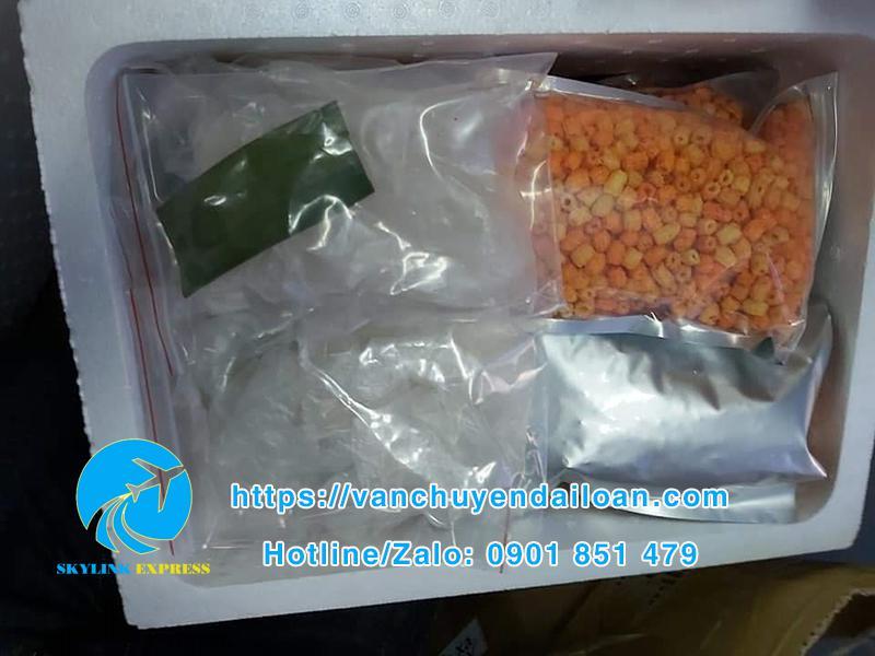 gửi bánh tráng và các món ăn vặt khác sang Đài Loan