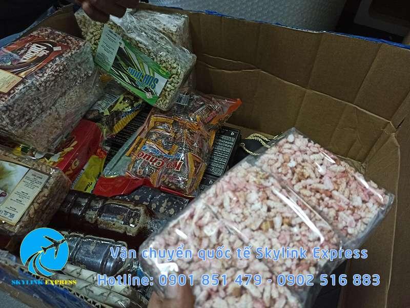 Bánh cốm được vận chuyển đi Đài Loan