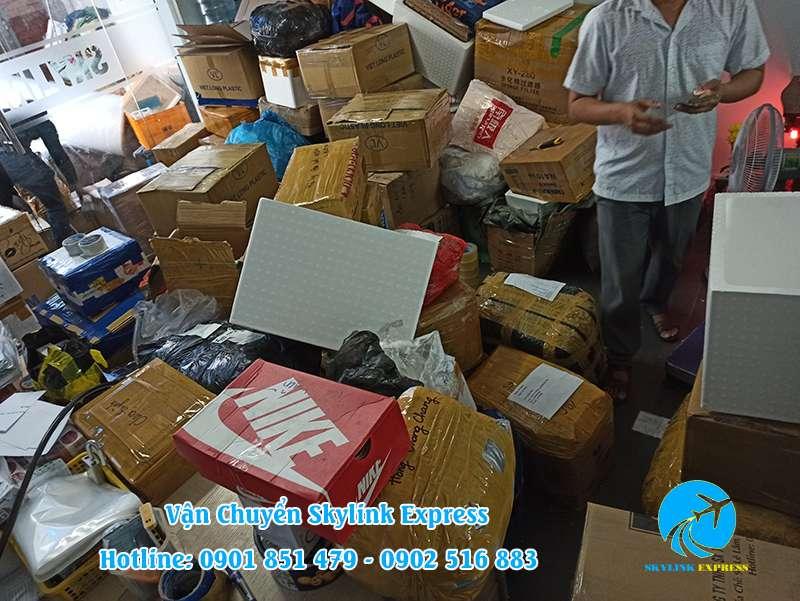 Gửi giầy dép đi sang Đài Loan
