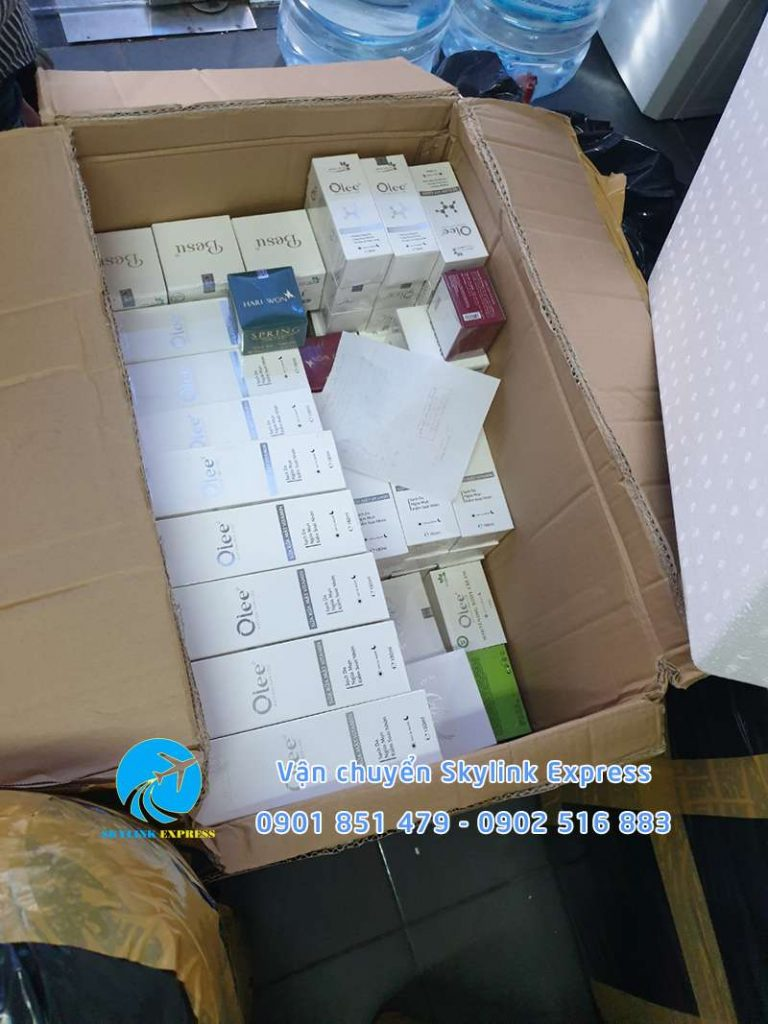 nhận gửi đồ mỹ phẩm các loại sang Singapore giá rẻ